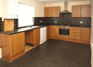 3 bed flat to rent in Lime Street, Dukinfield SK16