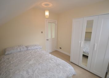 Room to rent in Room 5, House Share - Woodborough Road, Nottingham NG3