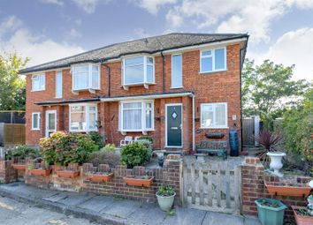 2 bed maisonette for sale in Chase Road, London N14