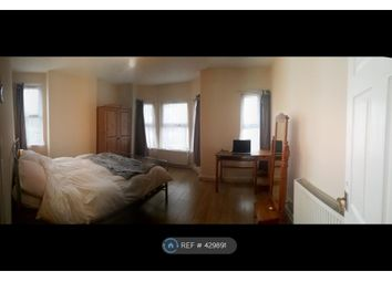 Thumbnail 4 bed end terrace house to rent in Ampthill Road, Bedford