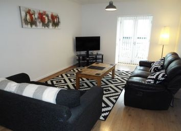 2 bed flat to rent in Lloyd George Avenue, Cardiff CF10