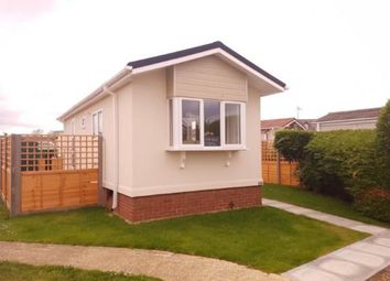 Thumbnail 2 bed mobile/park home for sale in Three Star Park, Lower Stondon, Henlow, Bedfordshire