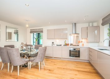 Thumbnail 1 bed flat for sale in Station Road, Taplow, Maidenhead