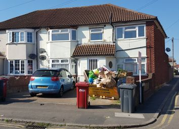 Thumbnail 3 bed flat to rent in Baylis Road, Slough