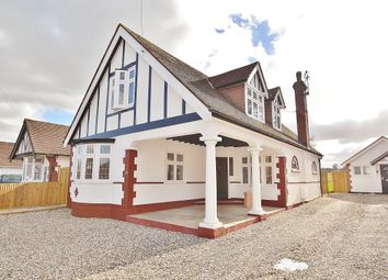 Thumbnail 4 bed detached house for sale in Oakroyd Avenue, Potters Bar