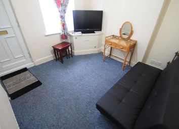 Thumbnail 2 bedroom property to rent in Warwick Road East, Luton
