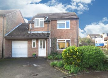 Thumbnail 3 bed detached house to rent in Hengrave Close, Lower Earley, Reading
