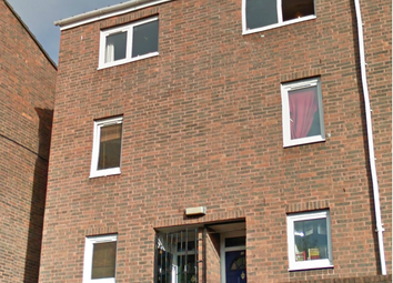 Thumbnail 4 bed triplex to rent in Buxton Road, London