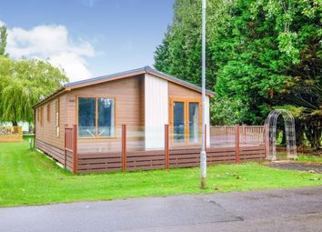 2 bed mobile/park home for sale in New Bird Lake, Billing Aquadrome, Northampton, Northamptonshire NN3