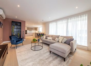 The Avenue, Brondesbury, London NW6. 3 bed flat