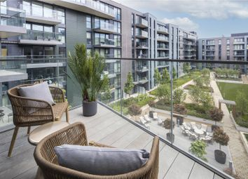 Thumbnail 3 bed flat for sale in Courtyard, Greenwich Square, Greenwich, London