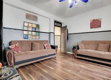 Thumbnail 4 bed flat for sale in Wallwood Street, Limehouse, London