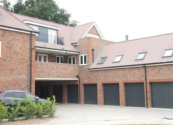 Thumbnail 2 bedroom flat to rent in Green Close, Brookmans Park, Hatfield