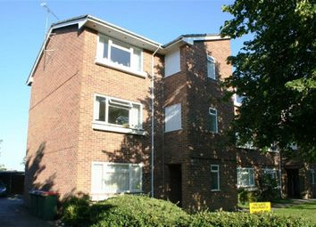 Thumbnail 1 bed flat to rent in Boundary Road, Newbury