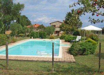 Thumbnail Farmhouse for sale in 5825, Castiglione Del Lago, Italy