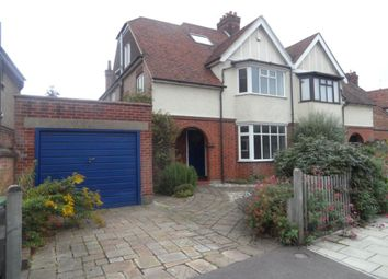 Thumbnail 5 bed property to rent in Beverley Crescent, Bedford
