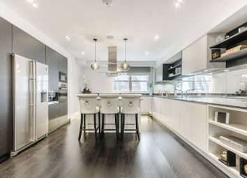 3 bed maisonette to rent in Queens Gate, South Kensington, London SW7