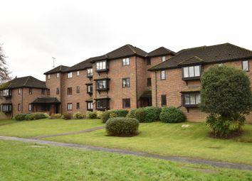 Thumbnail 2 bedroom flat to rent in Twycross Road, Godalming