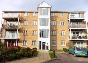 Thumbnail 2 bed flat to rent in Foxglove Way, Luton, Bedfordshire