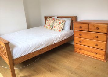 Thumbnail Room to rent in Essex Street, Reading