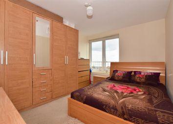 High Road, Ilford, Essex IG1. 3 bed flat