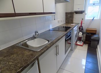2 bed flat to rent in South Promenade, Lytham St. Annes FY8