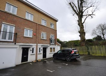 Thumbnail 4 bed property to rent in Melia Close, Watford, Hertfordshire