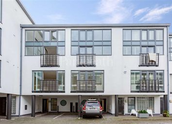 Thumbnail 5 bed flat to rent in Wellington Road, Kensal Rise, London