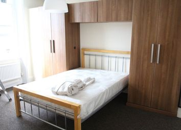 Thumbnail 2 bed property to rent in Parkhurst Road, Islington