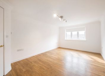 Thumbnail 2 bedroom flat to rent in Buxhall Crescent, Hackney