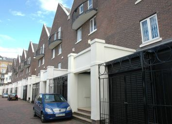 Thumbnail 5 bed property to rent in Mariners Mews, Docklands