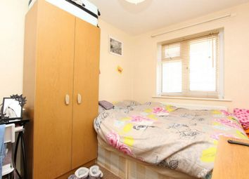 Rockingham, Elephant And Castle SE1. Room to rent