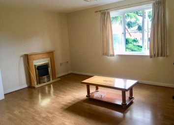 2 bed flat to rent in Bosworth Court, Slough SL1
