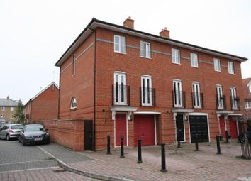 Thumbnail 4 bed end terrace house to rent in Sun Street, Sawbridgeworth, Herts