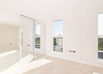 Thumbnail 3 bed flat for sale in Kings Avenue, Balham
