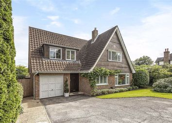 Greenacre Close, Hadley Highstone, Hertfordshire EN5. 3 bed detached house