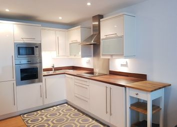 Thumbnail 3 bed flat to rent in Basin Approach, London