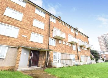 2 bed maisonette for sale in Thatches Grove, Romford RM6
