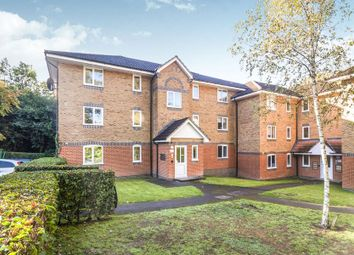 Thumbnail 2 bed flat to rent in Masefield Gardens, Crowthorne