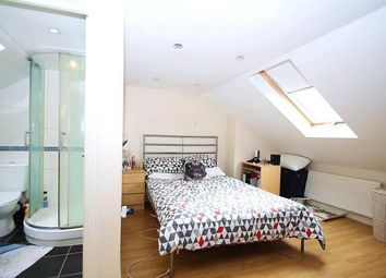 Thumbnail 5 bed flat to rent in Lavender Hill, Clapham Junction