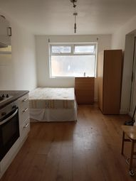 Thumbnail Studio to rent in Trinty Rd, Woodgreen