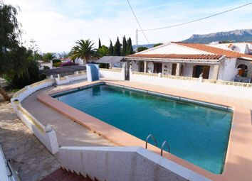 Thumbnail 6 bed chalet for sale in Calp, Alicante, Spain