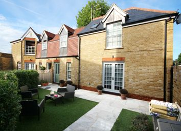 Thumbnail 2 bed mews house to rent in Selborne Road, Southgate