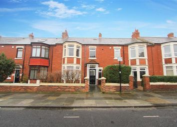 Thumbnail 2 bedroom flat to rent in Holly Avenue, Whitley Bay, Tyne And Wear