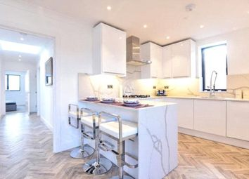 Thumbnail 2 bedroom flat for sale in Plantaganet Road, Barnet