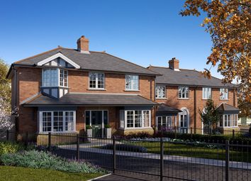 Thumbnail 3 bed detached house for sale in Forest Road, Loughton