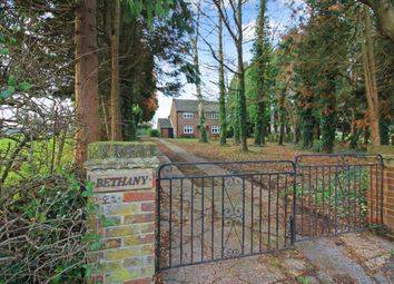 Thumbnail 3 bed detached house for sale in Chesham Road, Wigginton, Tring