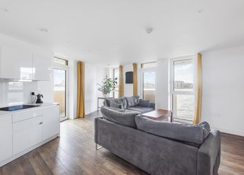 Cable Walk, London SE10. 3 bed flat for sale