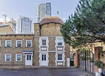 2 bed property for sale in Langley Lane, London SW8