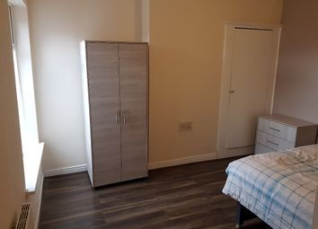 Thumbnail Room to rent in Edge Lane, Droylsden